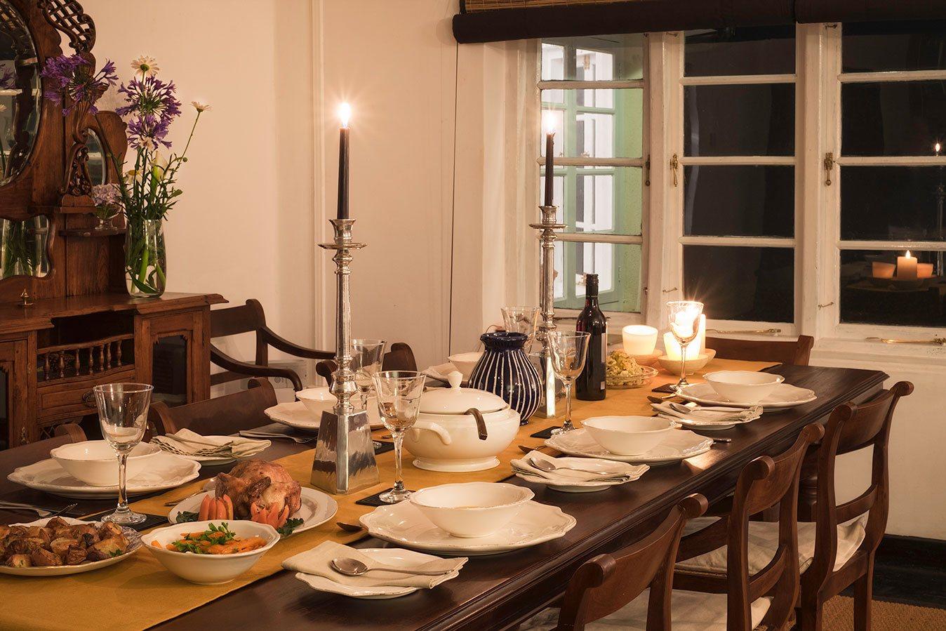 Dining at Highgrove Estate Bungalow
